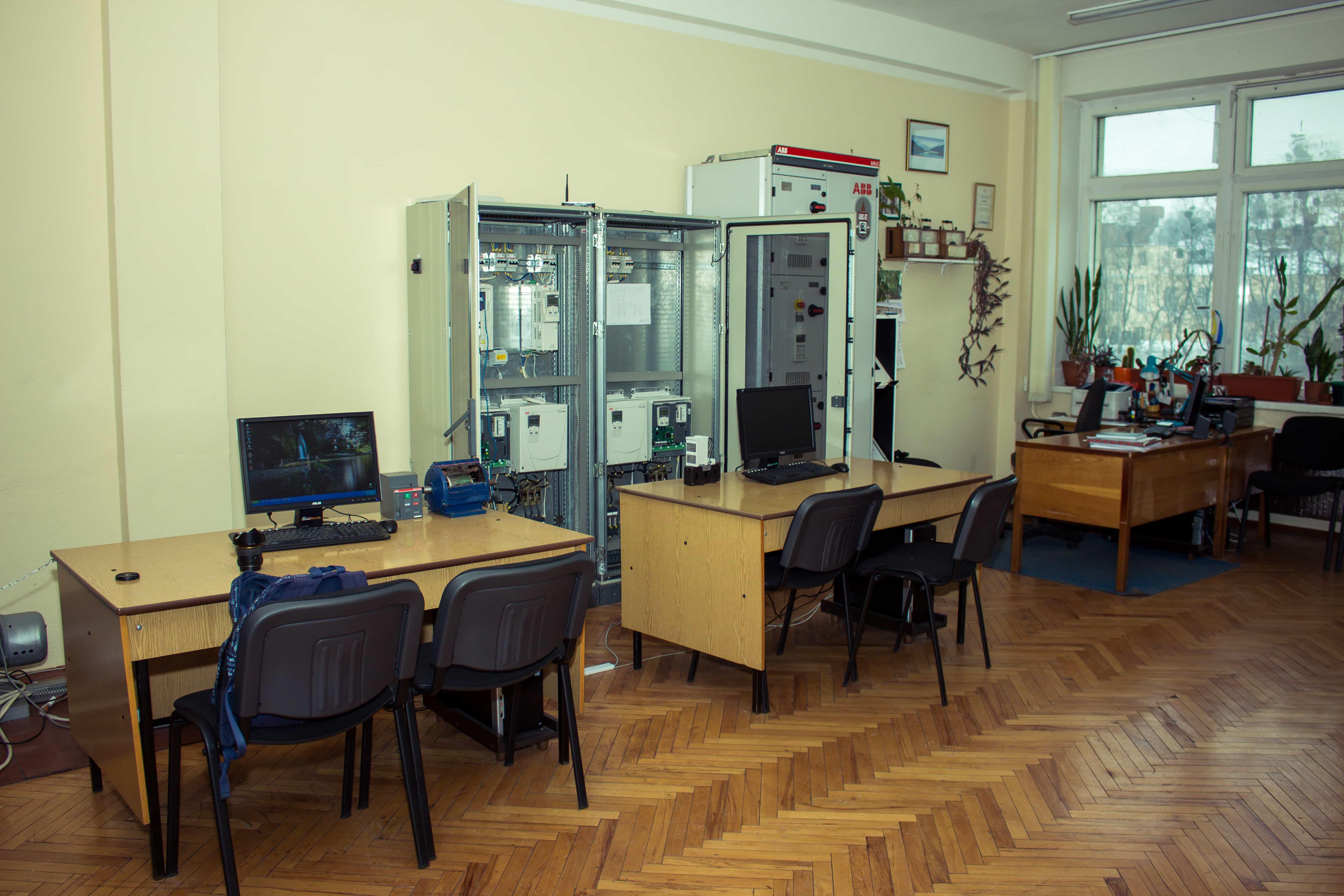 Laboratoria_413