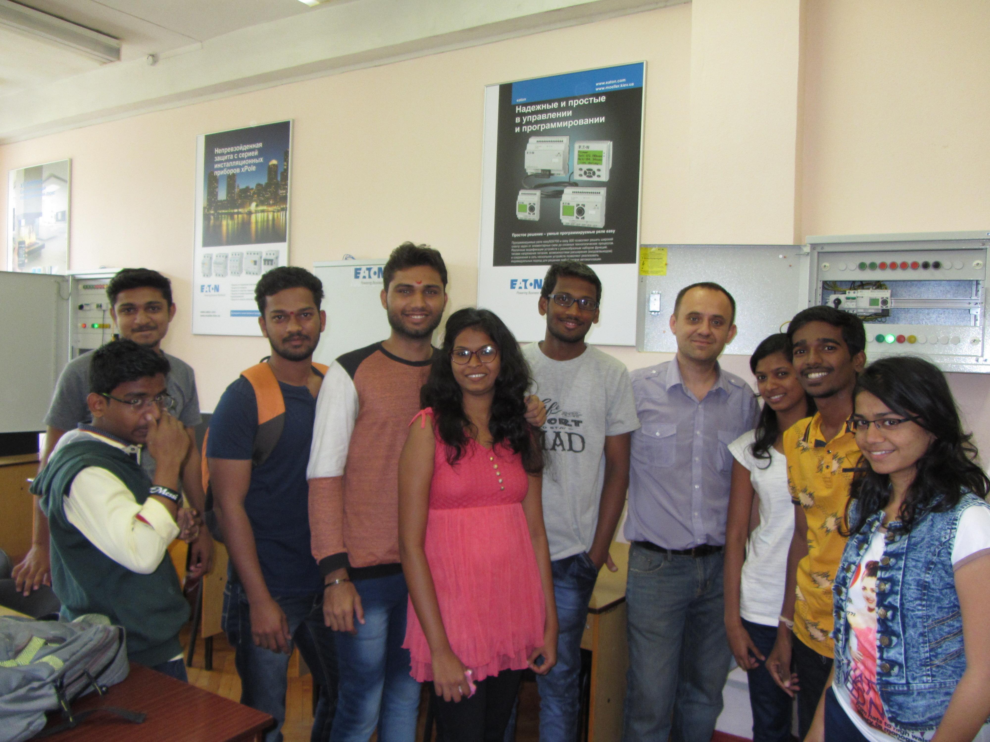 Практика студентів з Індії на кафедрі АЕМС-ЕП КПІ ім. І. Сікорського студенти з індії, практика, лабораторія ФЕА