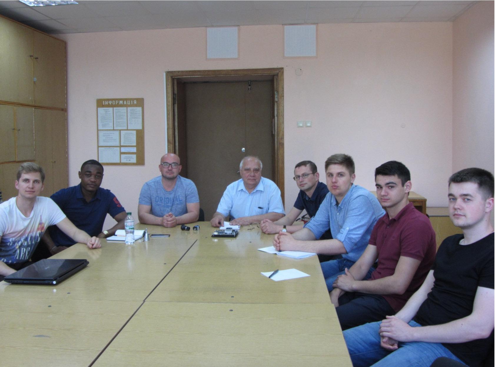 учасники від THM: Marcel Kummer, Frank Tanenkeu, відповідальна особа Dimitrij Neubauer, завідувач кафедри АЕМС-ЕП